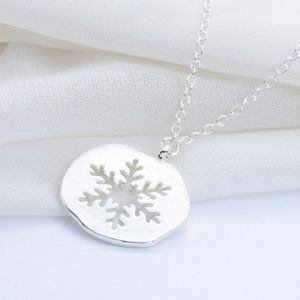 Snowflake cutout necklace silver pendant